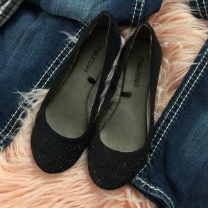 Black Embellished Toe Women's Flats